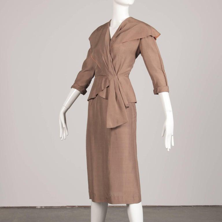 1940s Vintage Asymmetric Beige Silk 2-Piece Jacket + Skirt Women's Suit Ensemble For Sale 1
