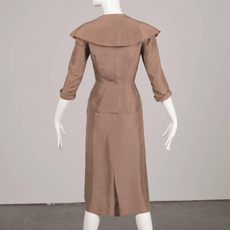 1940s Vintage Asymmetric Beige Silk 2-Piece Jacket + Skirt Women's Suit Ensemble For Sale 2