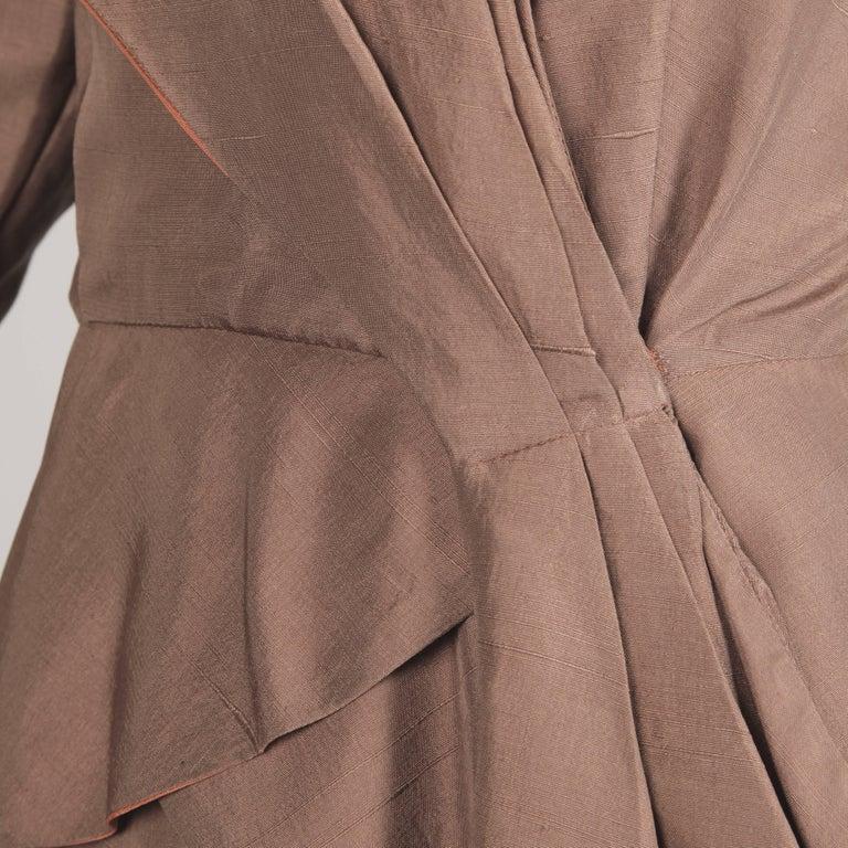 1940s Vintage Asymmetric Beige Silk 2-Piece Jacket + Skirt Women's Suit Ensemble For Sale 3