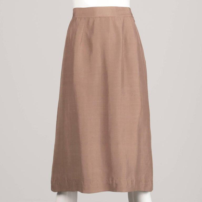 1940s Vintage Asymmetric Beige Silk 2-Piece Jacket + Skirt Women's Suit Ensemble For Sale 4