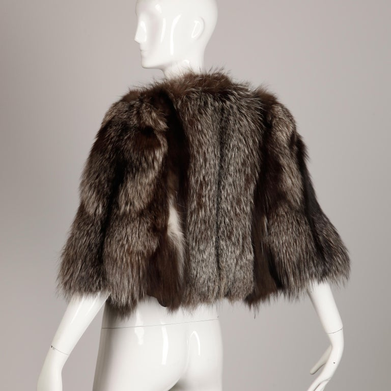 1940s Vintage Crystal Fox Fur Cape or Jacket In Excellent Condition For Sale In Sparks, NV