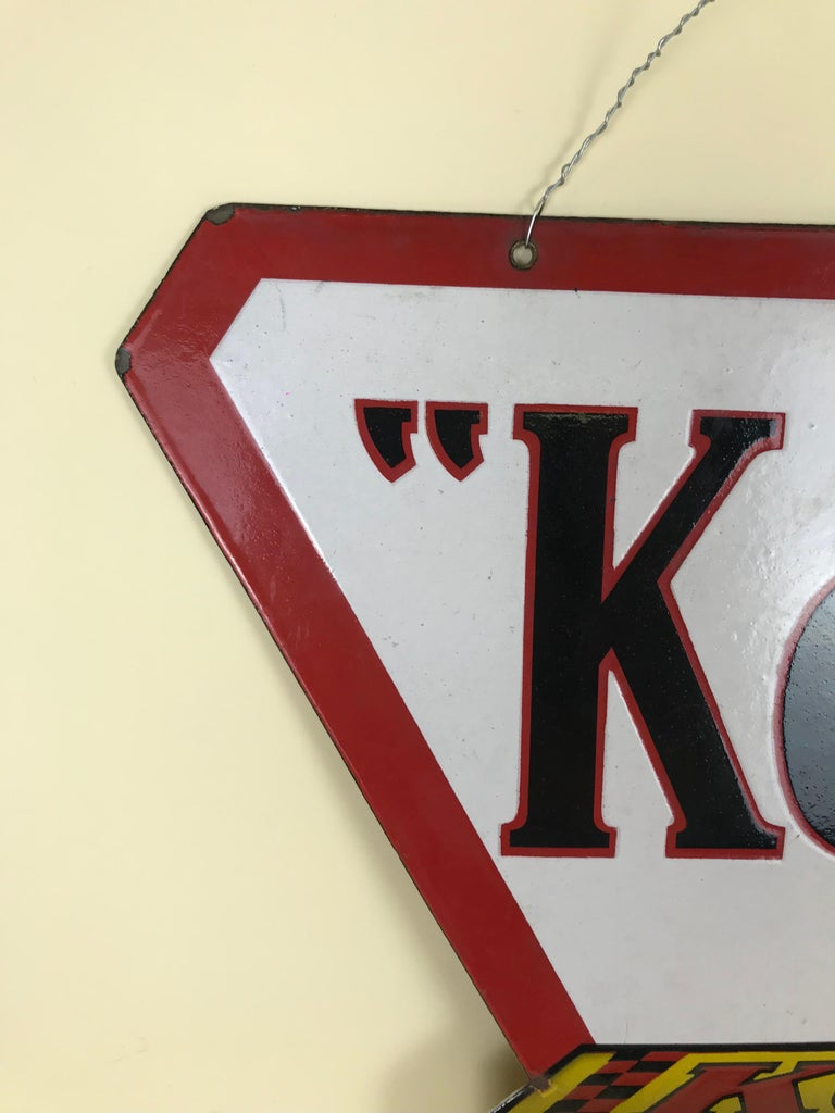 1940s Vintage Double-Sided Triangular French Metal Enamel Kodaks Sign In Good Condition For Sale In Milan, IT