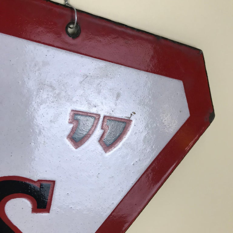 1940s Vintage Double-Sided Triangular French Metal Enamel Kodaks Sign For Sale 3