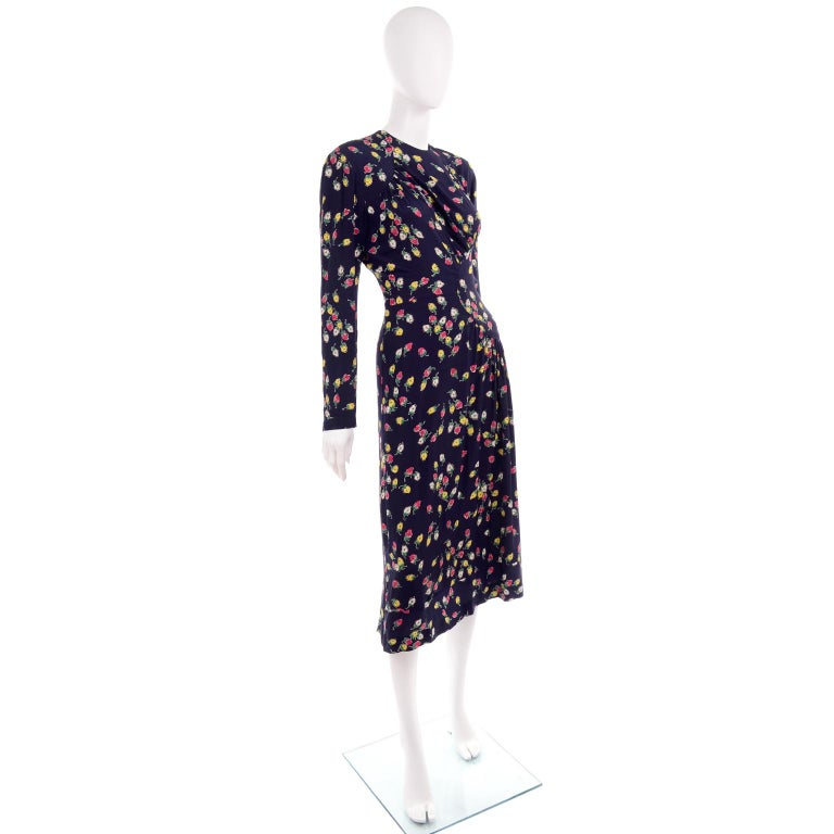 1940s Vintage Dress in Navy Blue Pink & Yellow Rosebud floral Rayon Print In Excellent Condition For Sale In Portland, OR