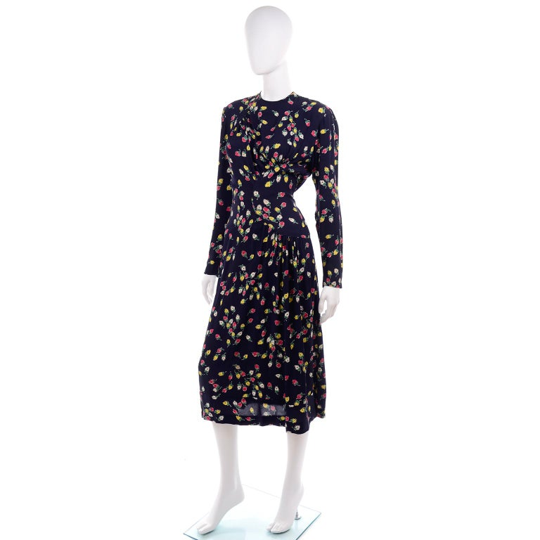 1940s Vintage Dress in Navy Blue Pink & Yellow Rosebud floral Rayon Print For Sale 3