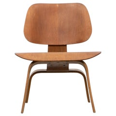 1940s Walnut Plywood LCW Chair by Charles & Ray Eames 'H'