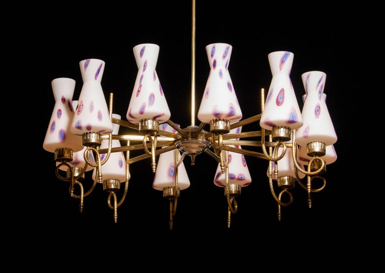 1940s, Large Brass and Multicolored Murano Venini Glass Chandelier In Excellent Condition In Silvolde, Gelderland