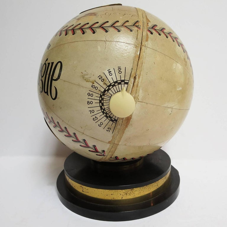 1941 Trophy Baseball Radio, Working Condition In Good Condition For Sale In Los Angeles, CA