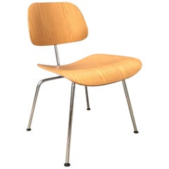 1946, Ray and Charles Eames for Vitra, Dcm Chair in Wooden Version