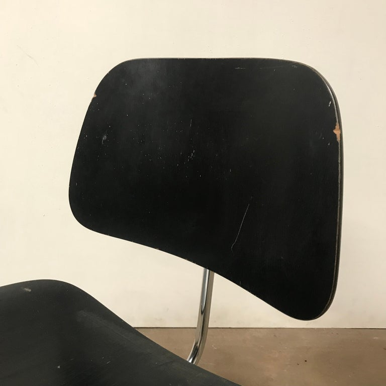 1946, Ray & Charles Eames for Herman Miller, DCM in Painted Black Version For Sale 5