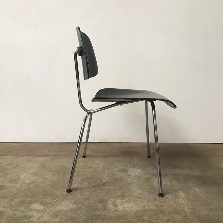 1946, Ray & Charles Eames for Herman Miller, DCM in Painted Black Version In Good Condition For Sale In IJmuiden, North Holland