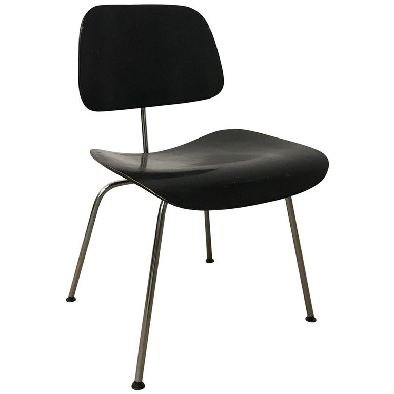 1946, Ray & Charles Eames for Herman Miller, DCM in Painted Black Version For Sale