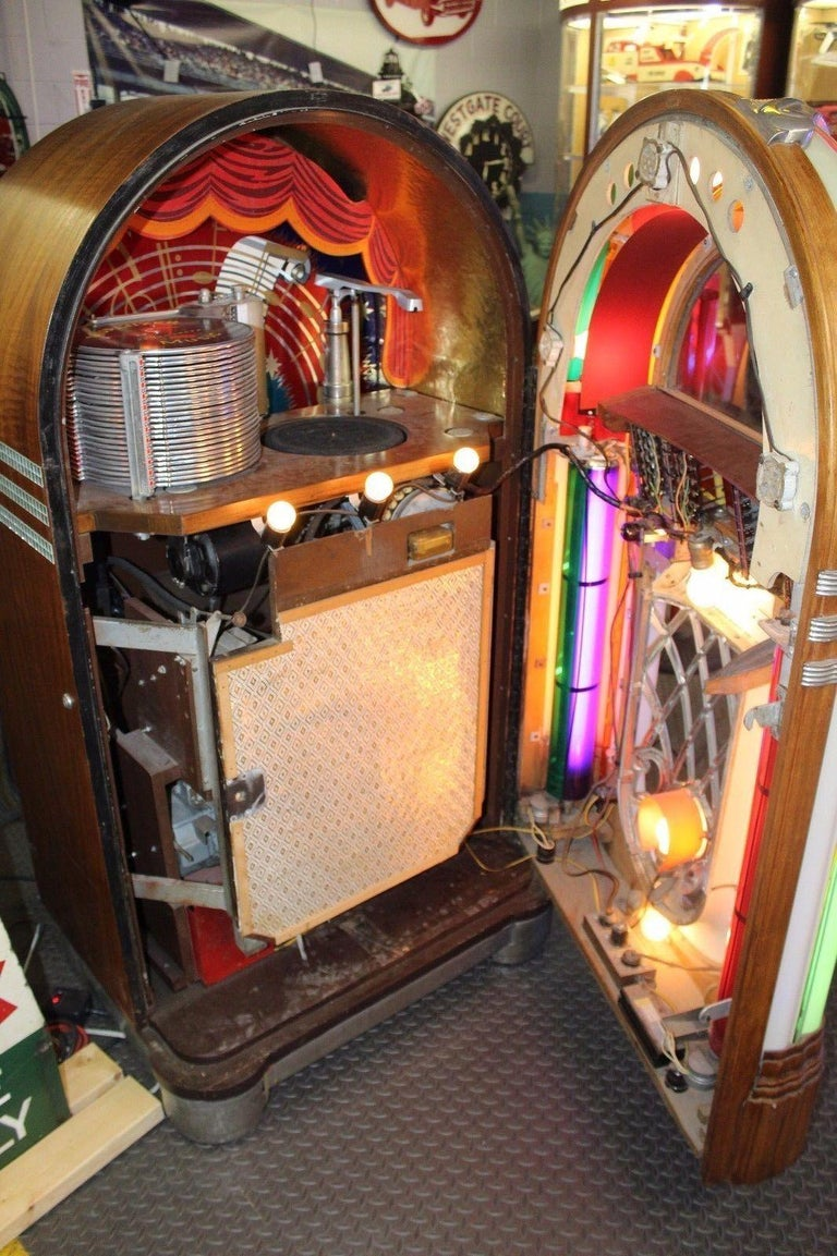 1946 Wurlitzer model 1015 Jukebox Bubbler Plays 78s