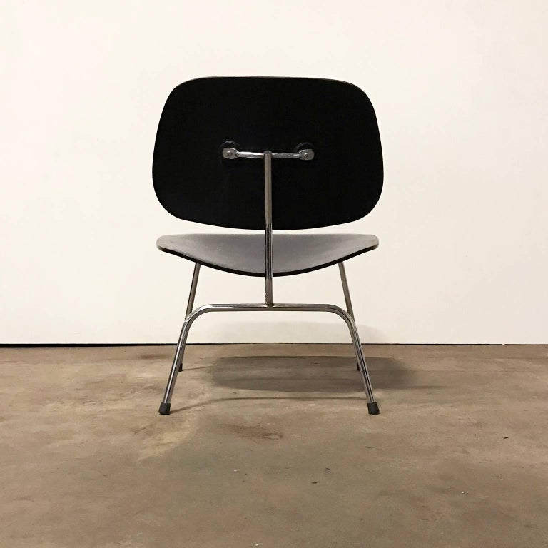 American 1946, Ray & Charles Eames for Herman Miller, Black LCM Chair For Sale