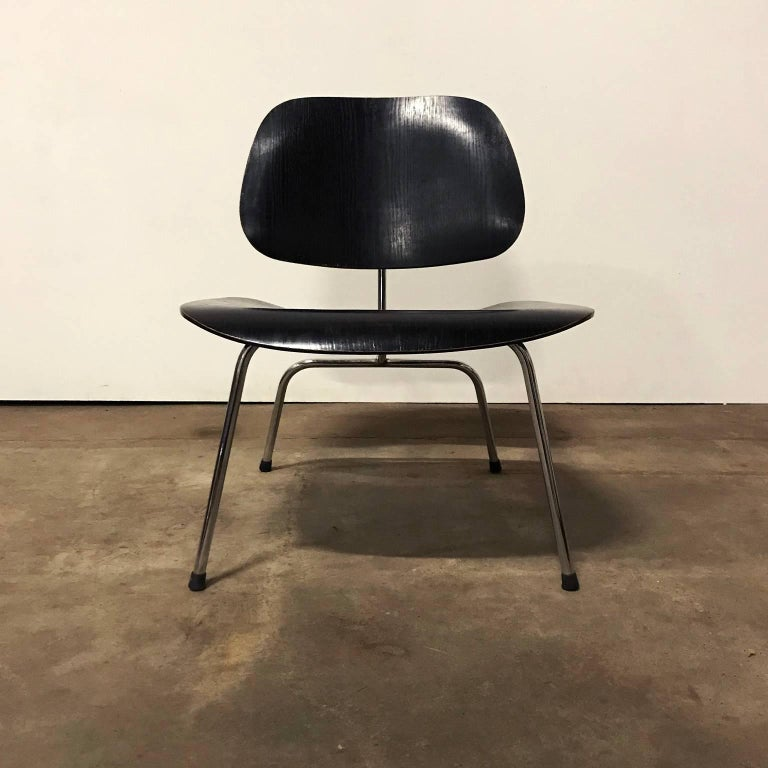 1946, Ray & Charles Eames for Herman Miller, Black LCM Chair In Good Condition For Sale In IJmuiden, North Holland