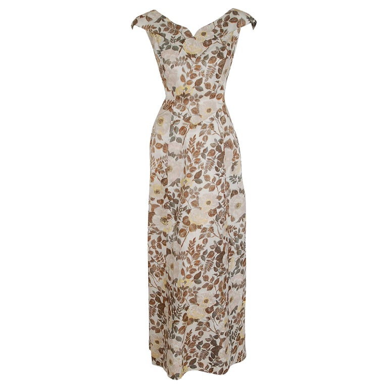 1948 Paquin Demi-Couture Watercolor Floral Print Silk Hourglass Trained Gown For Sale