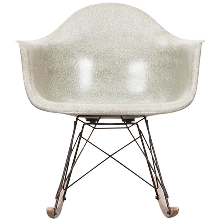 1948 Parchment Color Fiberglass Shell RAR Rocking Chair by Charles   Ray  Eames For Sale d6948cfb7dfa