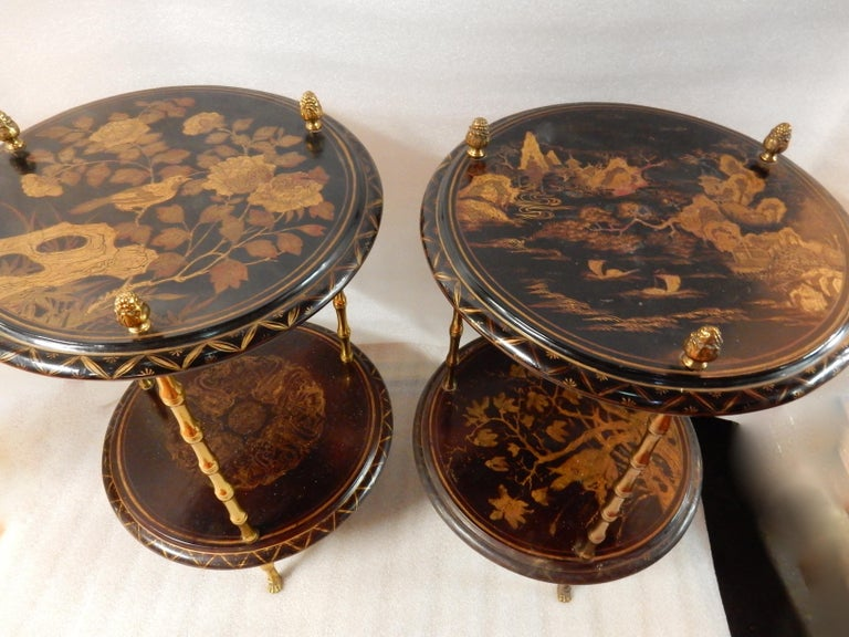 1950-1970 Pedestal in Gilt Bronze with Chinese Lacquer Tray, Pair In Good Condition For Sale In Paris, FR