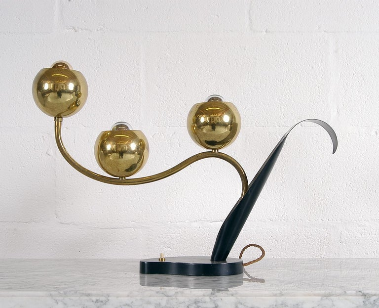 1950 American Mid-Century Modern Stylised Brass Flower Table Lamp Laurel Lamp Co In Good Condition For Sale In Sherborne, Dorset
