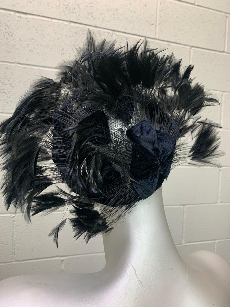 1950 Christian Dior Chapeaux Black Feather Turban W/ Velvet Applique Details In Excellent Condition For Sale In San Francisco, CA