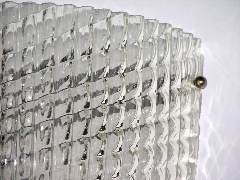 Hand-Crafted 1950 Crystal Textured Murano Glass Sconce Attributed to Barovier e Toso For Sale
