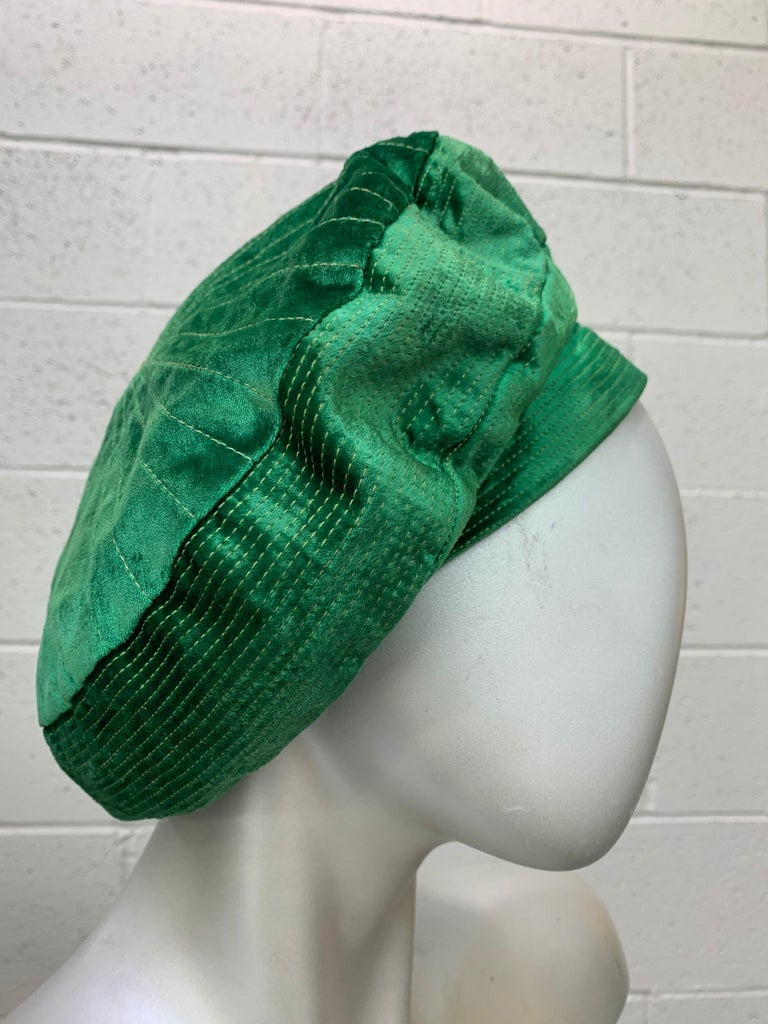 1950 Emerald Green Silk Panne Velvet Trapunto Stitch Tam Style Hat In Excellent Condition For Sale In San Francisco, CA