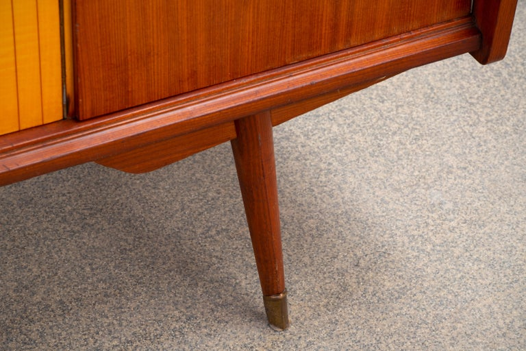 1950 French Credenza in Walnut and Maple For Sale 1