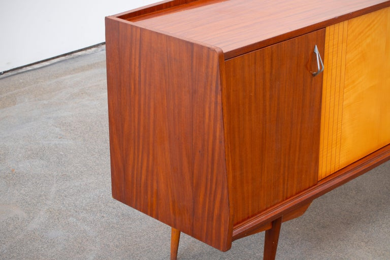 1950 French Credenza in Walnut and Maple For Sale 3