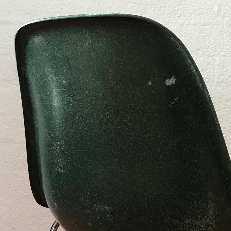 1950, Ray & Charles Eames for Herman Miller Set DSS Fiberglass Stacking Chairs For Sale 3