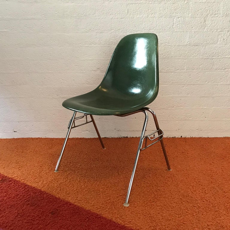 Mid-Century Modern 1950, Ray & Charles Eames for Herman Miller Set DSS Fiberglass Stacking Chairs For Sale