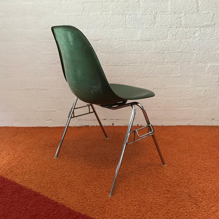 American 1950, Ray & Charles Eames for Herman Miller Set DSS Fiberglass Stacking Chairs For Sale