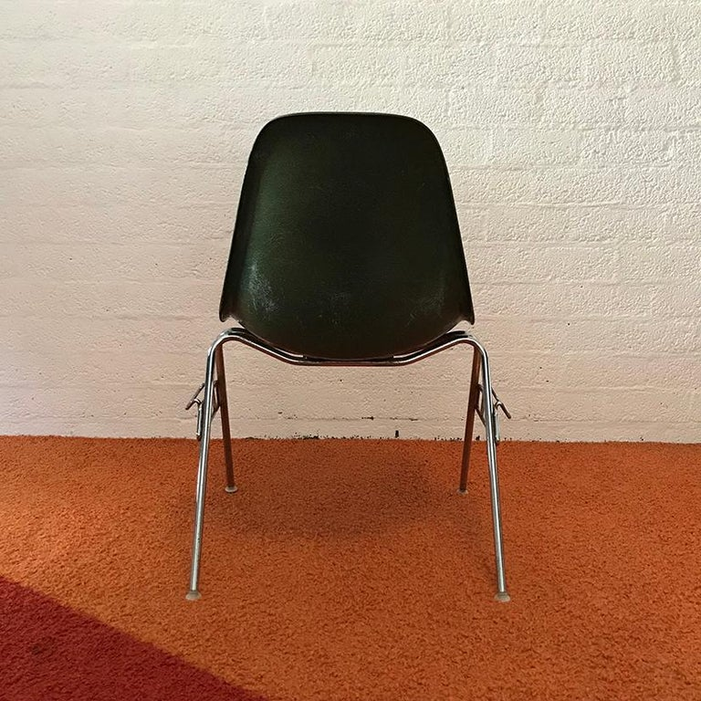Mid-20th Century 1950, Ray & Charles Eames for Herman Miller Set DSS Fiberglass Stacking Chairs For Sale