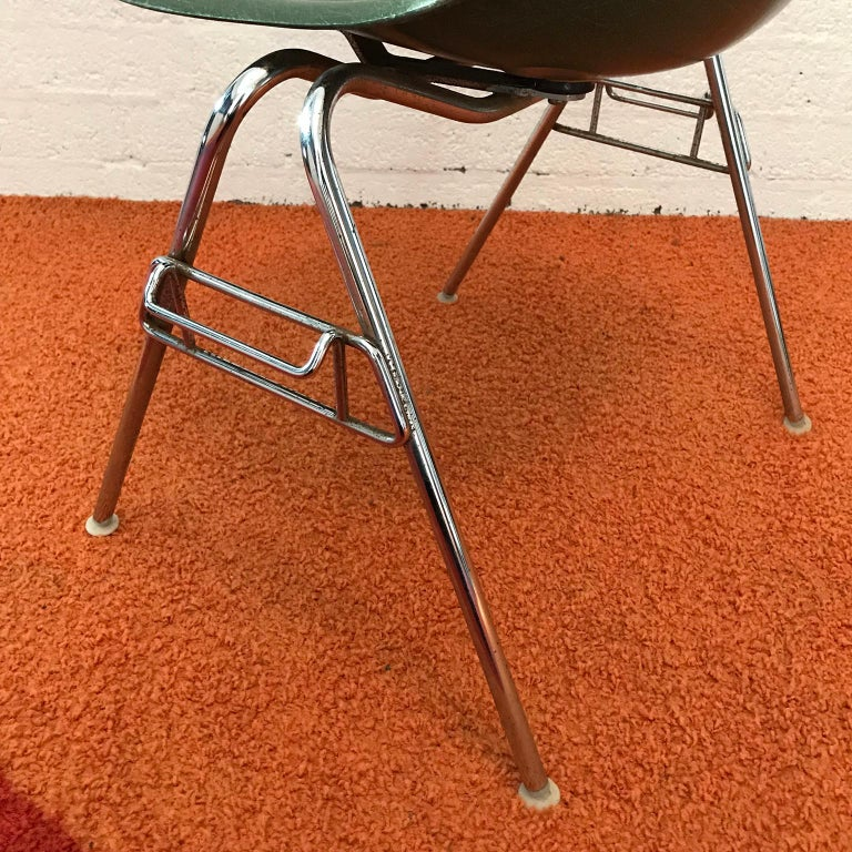 1950, Ray & Charles Eames for Herman Miller Set DSS Fiberglass Stacking Chairs For Sale 1