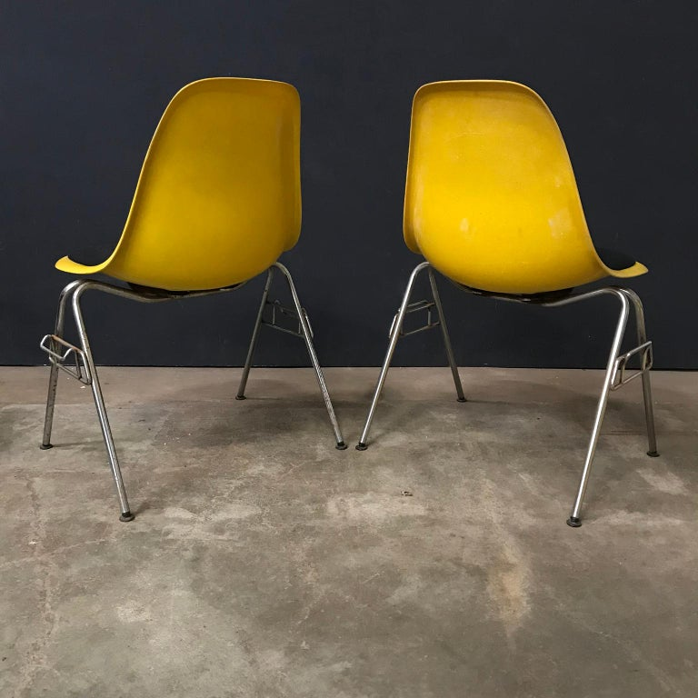 American 1950 Ray & Charles Eames Herman Miller 2 DSS Fiberglass Stacking Chairs & Pillow For Sale