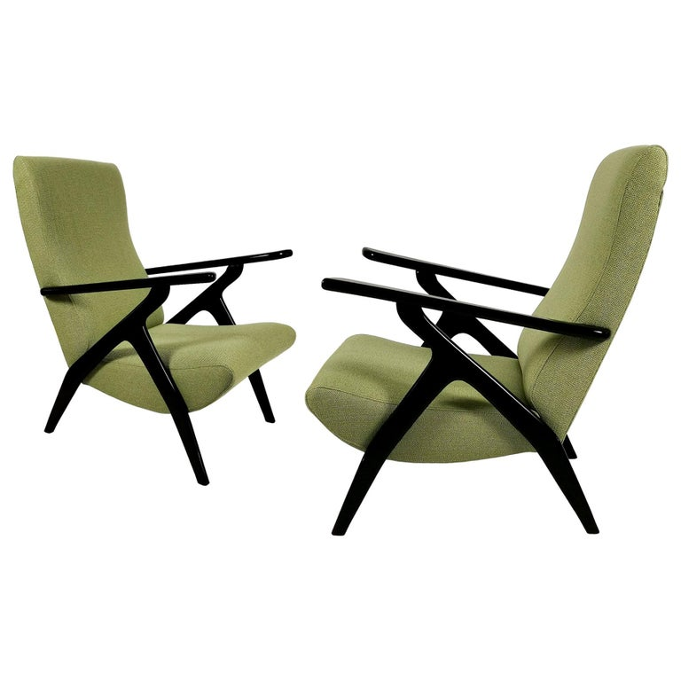 1950s Pair of Armchairs, Stained Beech Wood, Green Flecked Fabric, Italy For Sale