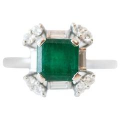 1950s 1.0 Carat Emerald, Diamond and 18 Karat White Gold Ring