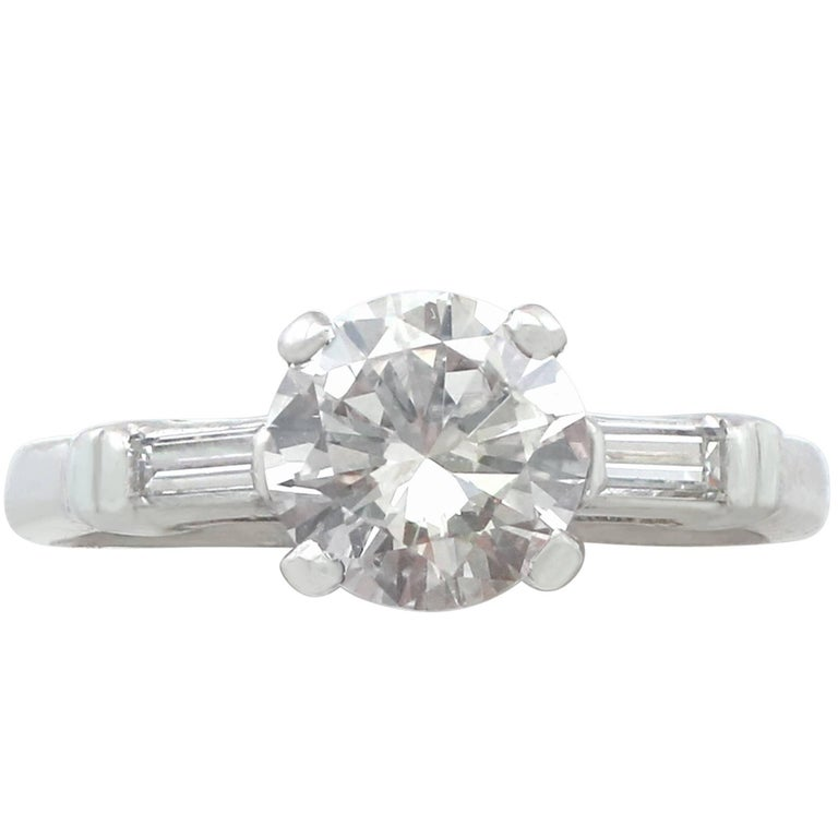 1950s 1.07 Carat Diamond and Platinum Solitaire Engagement Ring
