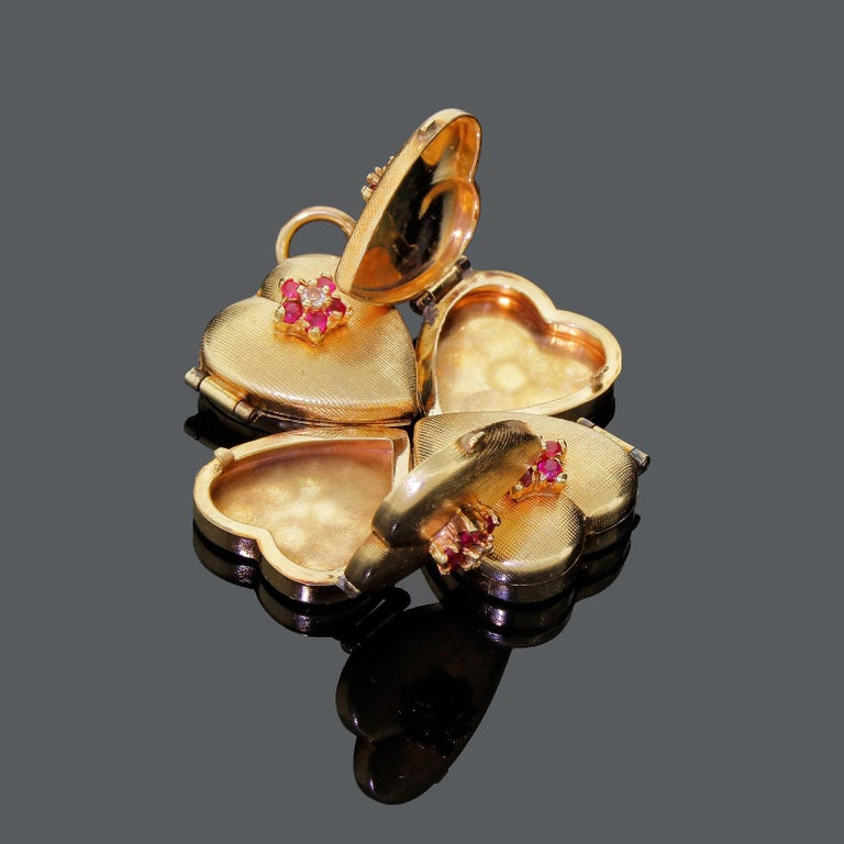 Modern 1950s 14k Gold Ruby Four Leaf Clover Love Heart Photo Locket Pendant Large 18+G For Sale