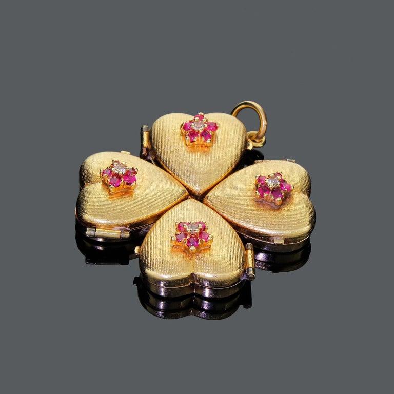 1950s 14k Gold Ruby Four Leaf Clover Love Heart Photo Locket Pendant Large 18+G For Sale 2