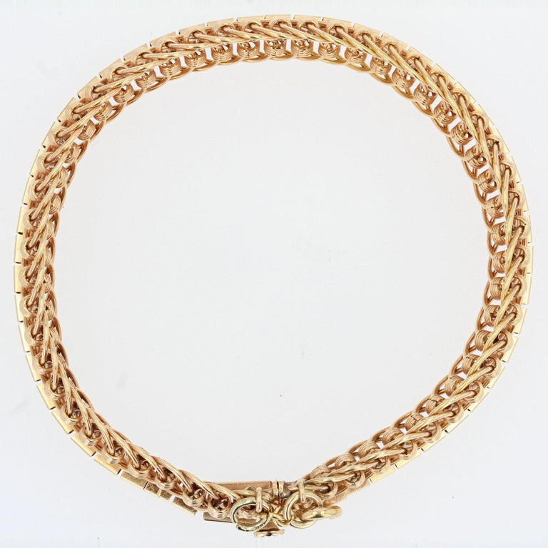 1950s 18 Karat Yellow Gold Articulated Mesh Bracelet For Sale 5