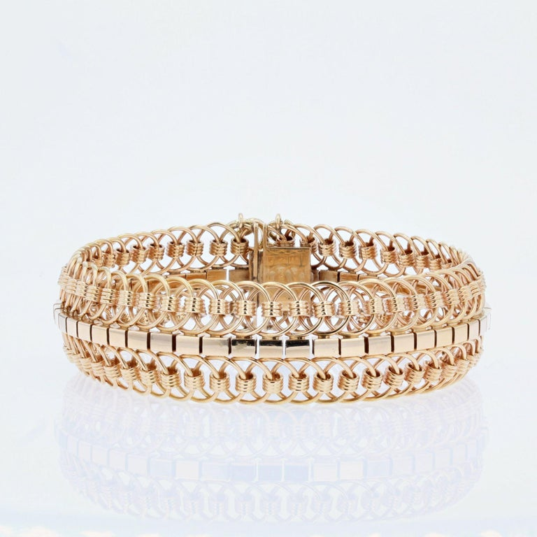 Retro 1950s 18 Karat Yellow Gold Articulated Mesh Bracelet For Sale