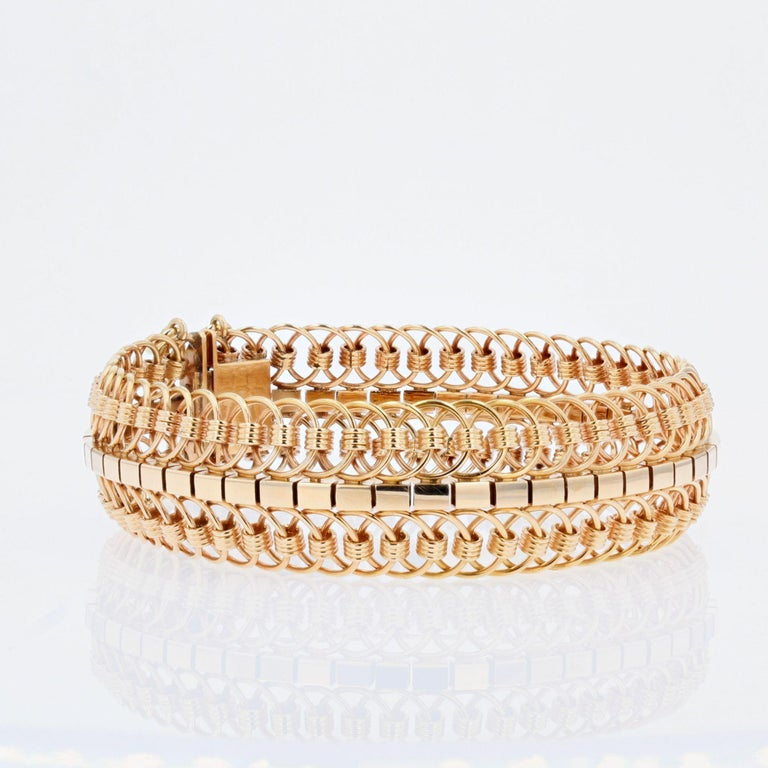 1950s 18 Karat Yellow Gold Articulated Mesh Bracelet For Sale 1