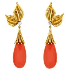 1950s 18 Karat Yellow Gold with Drop Coral Earring