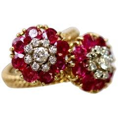 1950s-1960s Italian Burma No Heat Rubies and Diamond Flower Crossover Gold Ring
