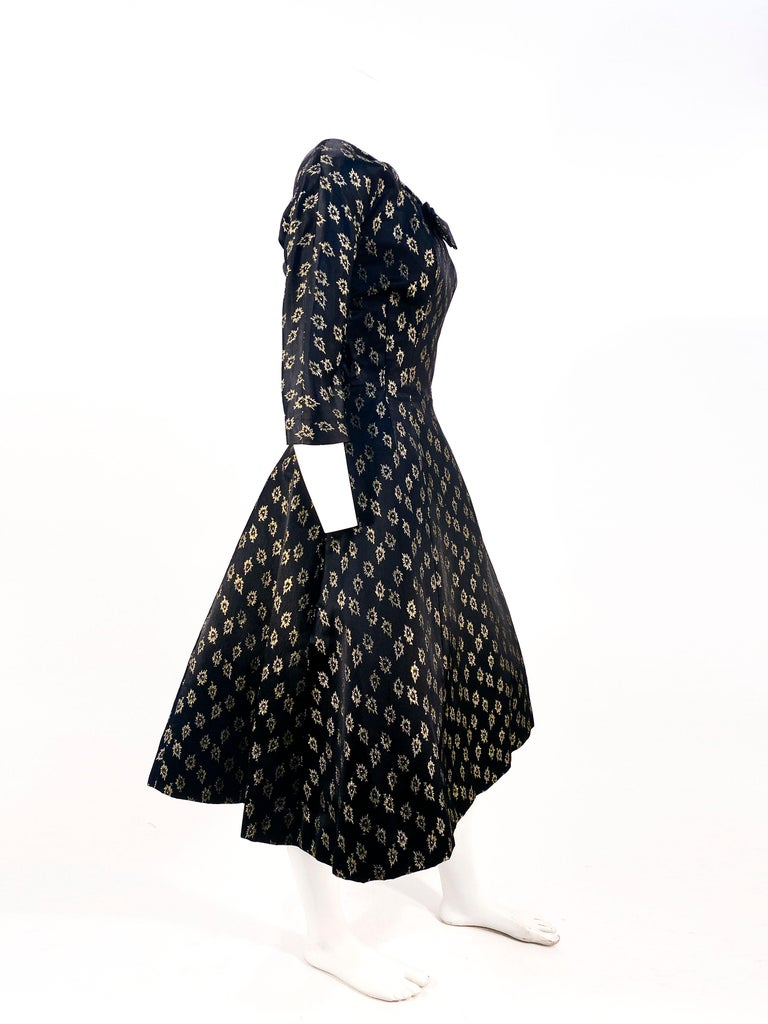 1950s/1960s Suzy Perette Black and Gold Metallic Cocktail Dress For Sale 1