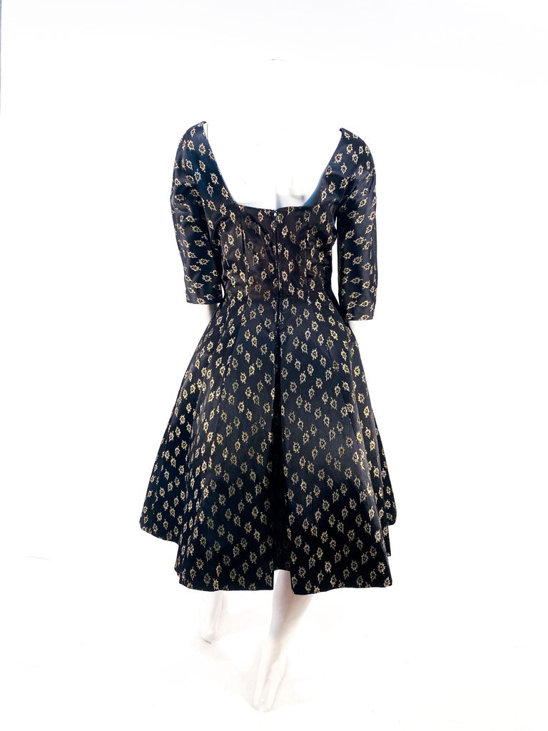 1950s/1960s Suzy Perette Black and Gold Metallic Cocktail Dress For Sale 2