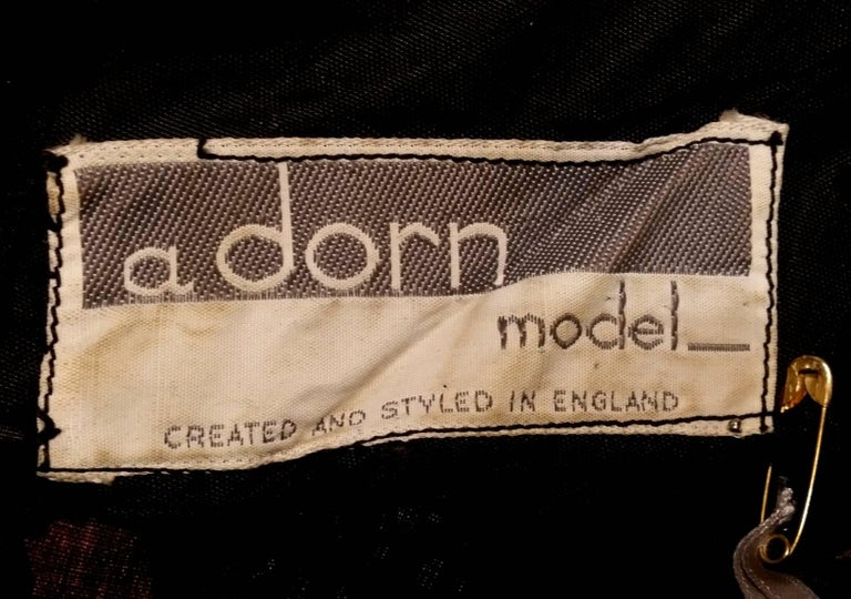 1950s A Dorn Model Rose Print Cotton Dress With Black Velvet Bow For Sale 2
