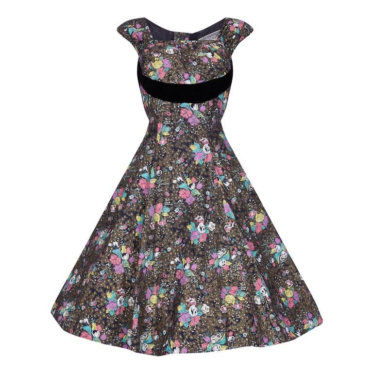 1950s A Dorn Model Rose Print Cotton Dress With Black Velvet Bow For Sale