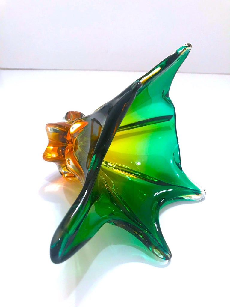 1950s Abstract Murano Sommerso Vase in Emerald and Amber Hues, Italy For Sale 2