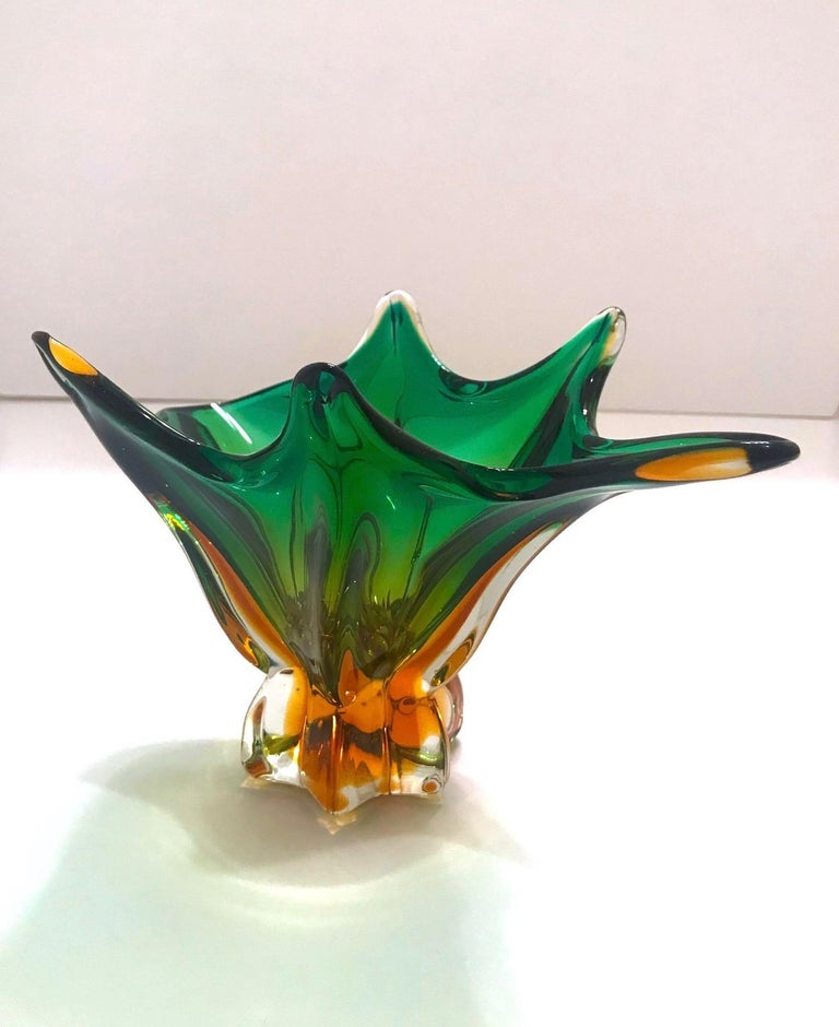 1950s Abstract Murano Sommerso Vase in Emerald and Amber Hues, Italy In Good Condition For Sale In Miami, FL
